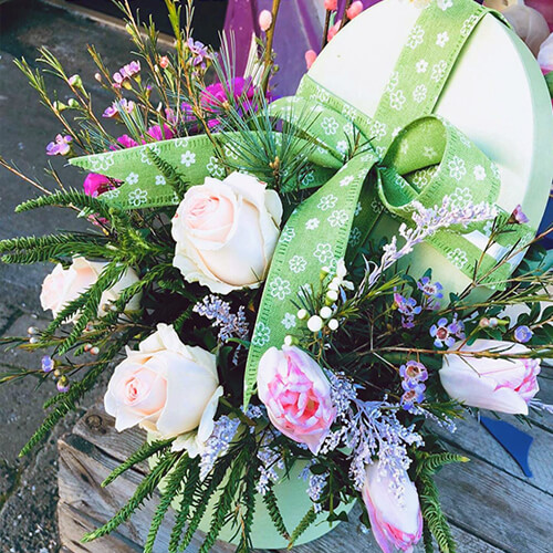 Lime Hat Box Roses Tulips