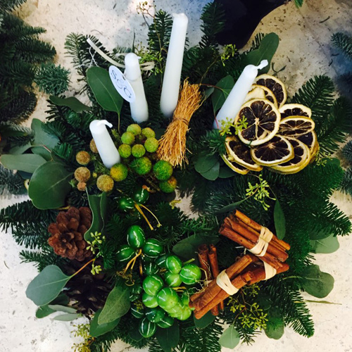 Christmas Round Table Arrangement